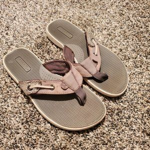 Sperry Gray Sequin Flip Flop Sandals 5M